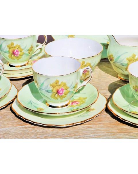 (OUT OF STOCK) COLCLOUGH BACHELORS BUTTON TEA SET